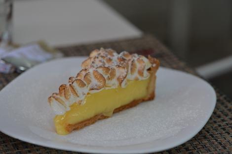 Torta de limão siciliano com cobertura de marshmallow
