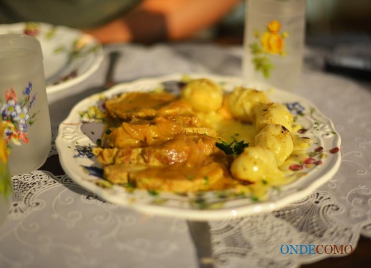 Lombo com mel e mostarda e batatinhas com queijo gruyere