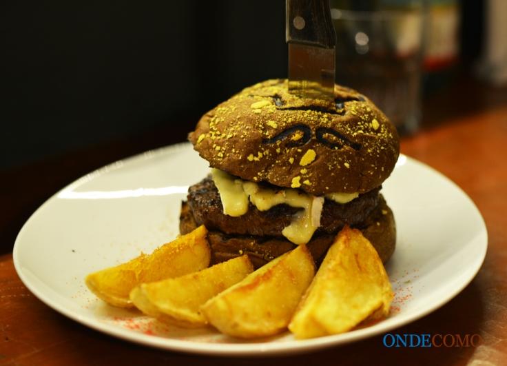 Mushroom deli (pão italiano, blenda de Picanha 200g, shitake no shoyu e queijo brie)i