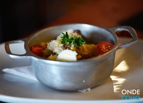 Salada de batata com bacalhau