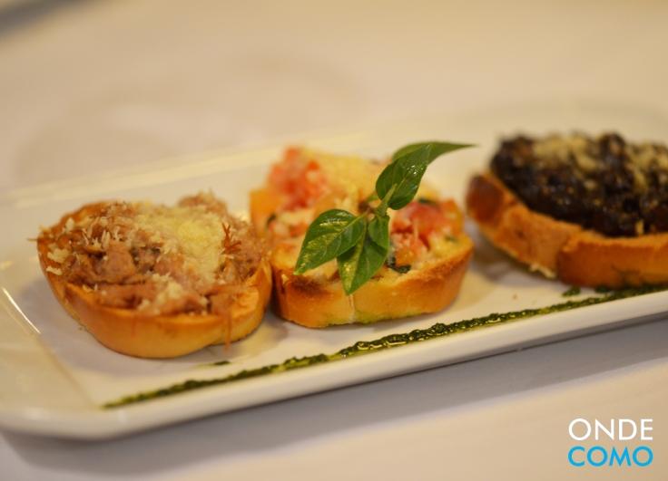 Trio di bruschette - minibrusquetas de tomate, funghi trifolati e carne-seca