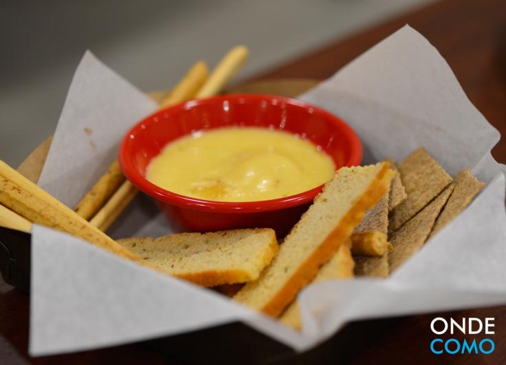 Mix de queijos ao fondue